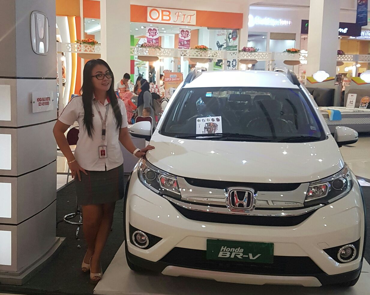Sales Marketing Mobil Dealer Honda Jakarta Widia