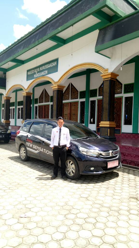 Sales Marketing Mobil Dealer Honda Jambi Reza