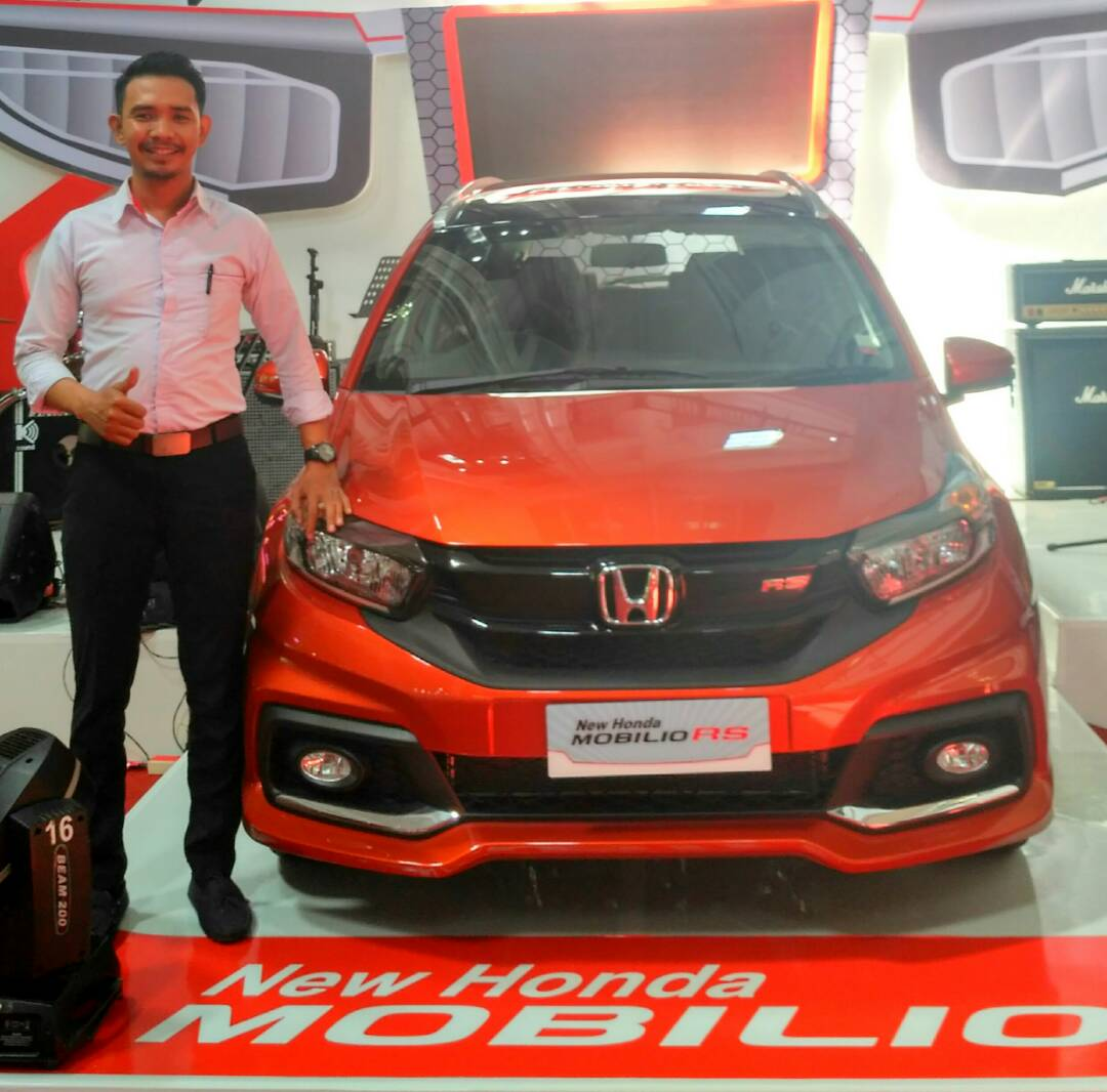 Sales Marketing Mobil Dealer Honda Makassar Ukhy