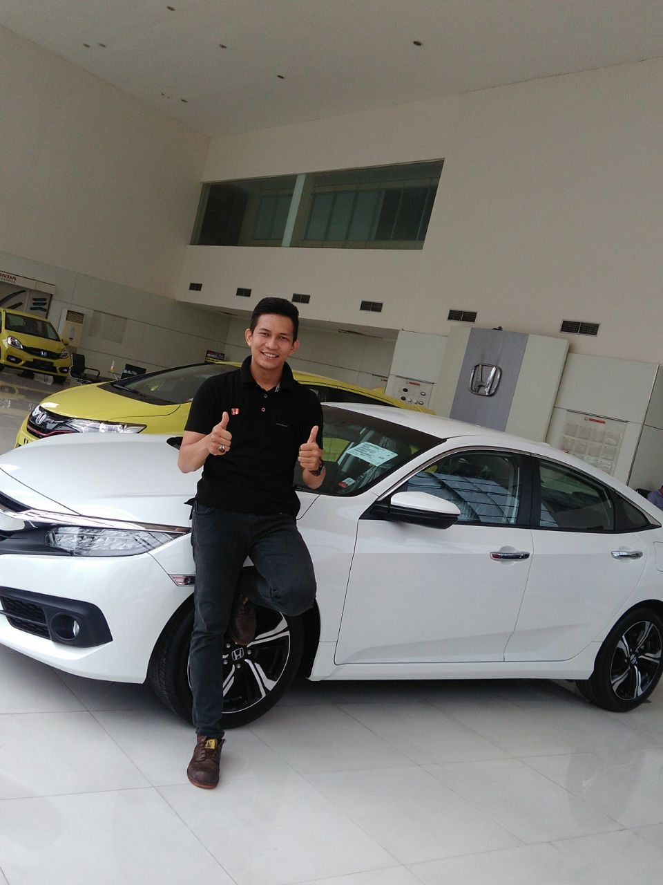 Sales Marketing Mobil Dealer Mobil Honda Jambi Harisman