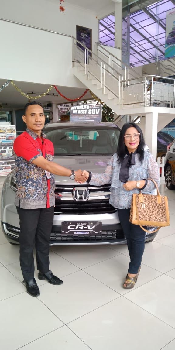 Sales Marketing Mobil Honda Natal