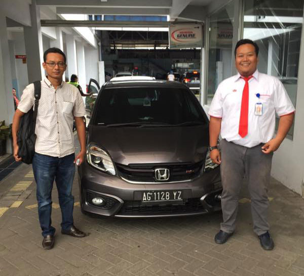 Sales Marketing Mobil Dealer Honda Kediri Rendy