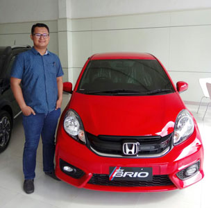 Sales Marketing Mobil Dealer Honda Purwokerto Faris