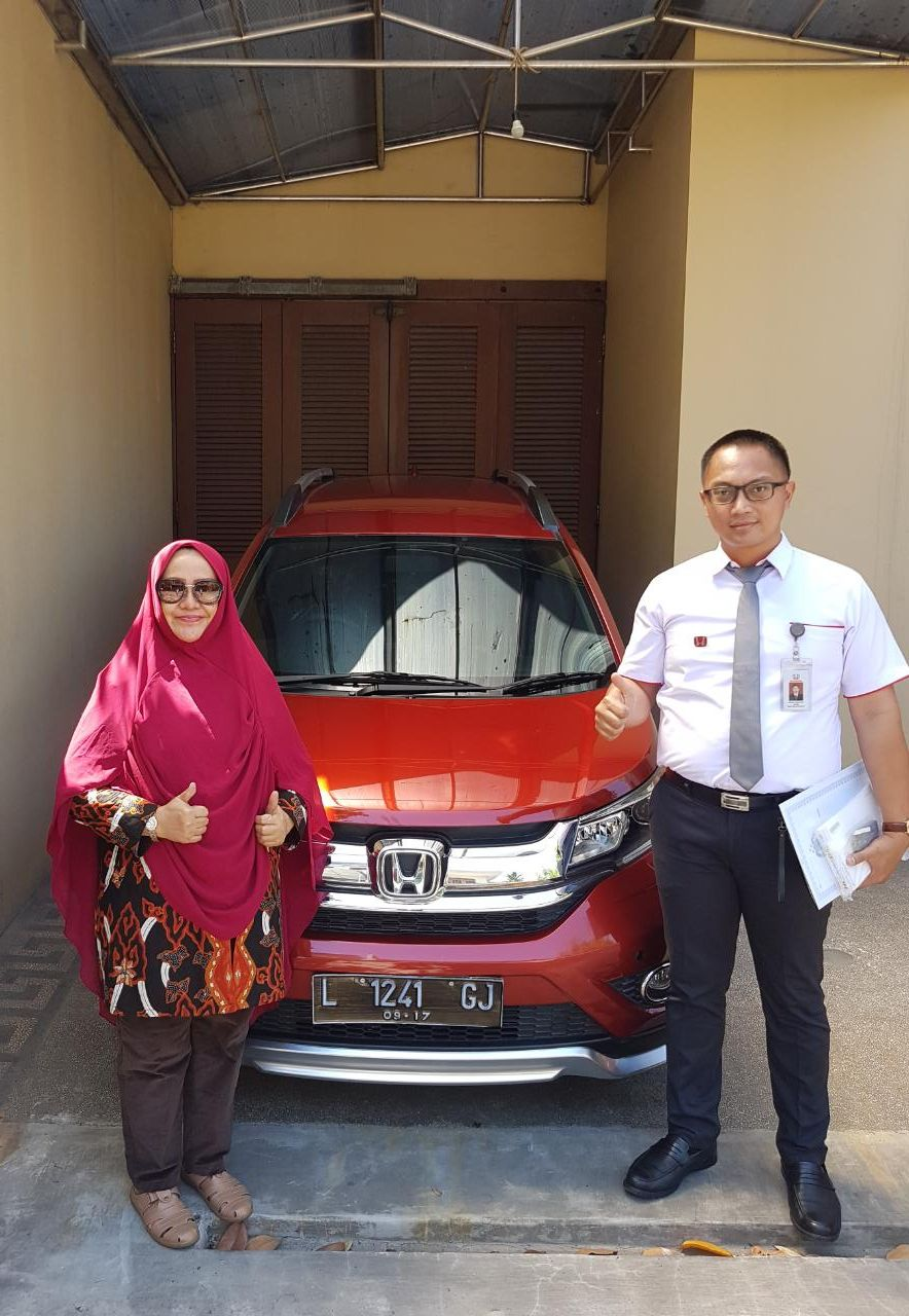 Sales Marketing Mobil Dealer Mobil Honda Sidoarjo Andry