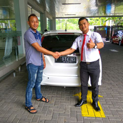 Sales Marketing Mobil Honda Banyuwangi Wahyu