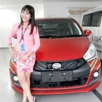 sales-marketing-mobil-dealer-daihatsu-cikarang-bekasi-nunung