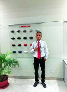 Sales Marketing Mobil Dealer Honda Bengkulu Yulian