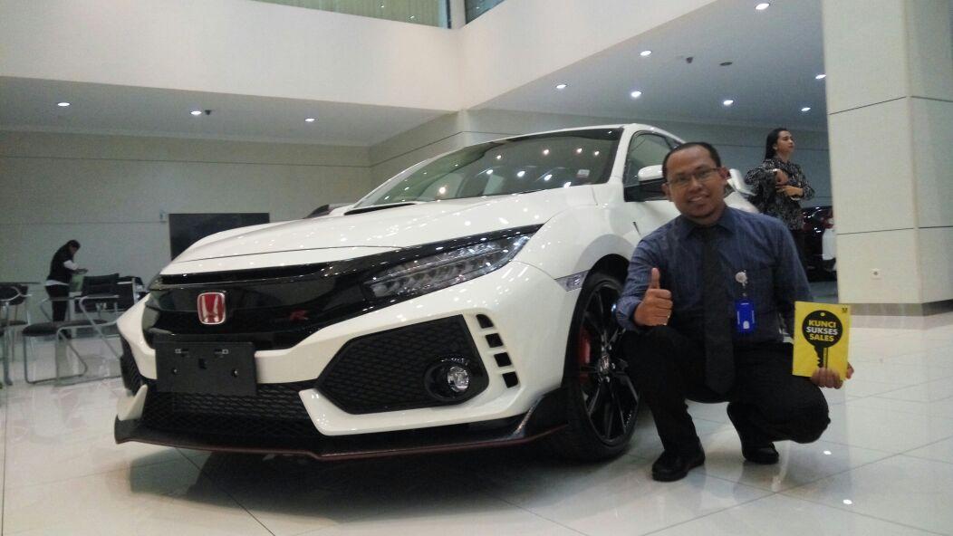 Sales Marketing Mobil Dealer Honda Budi