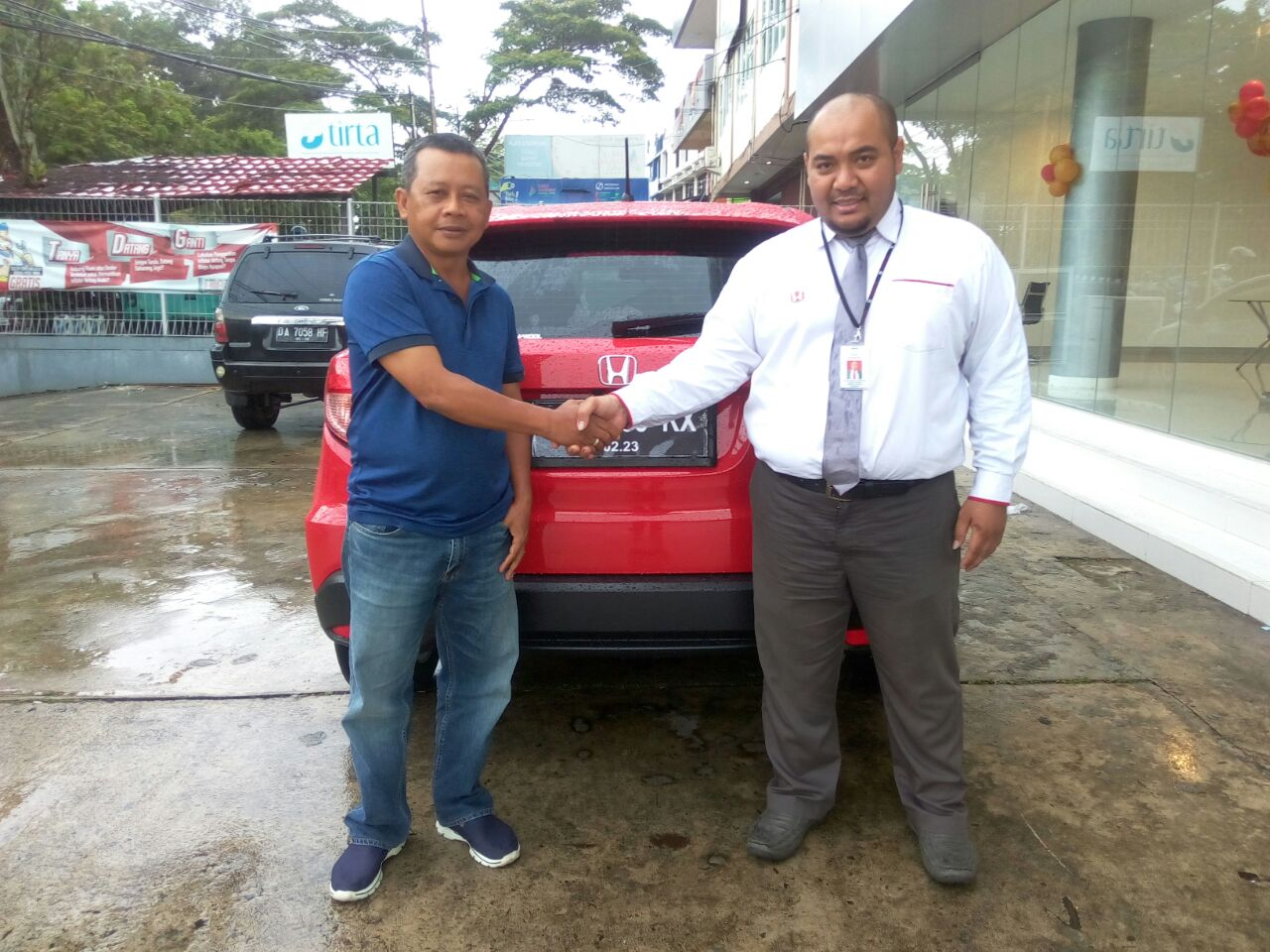 Sales Marketing Mobil Dealer Honda Chandra