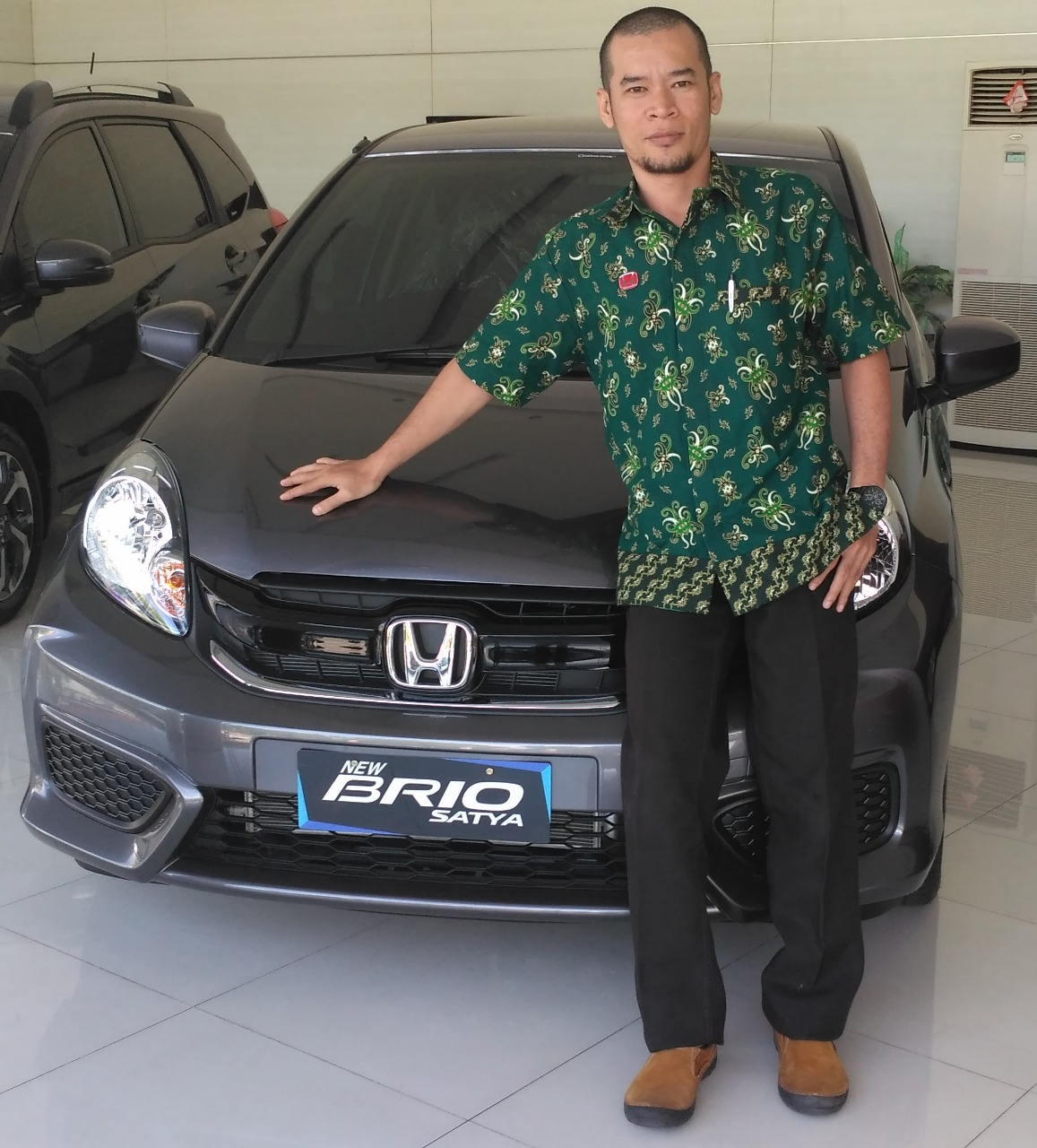 Sales Marketing Mobil Dealer Honda Okta