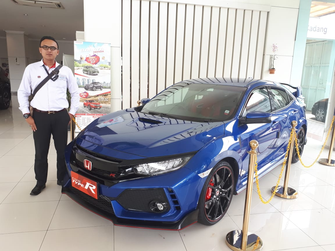 Sales Marketing Mobil Dealer Honda Deden