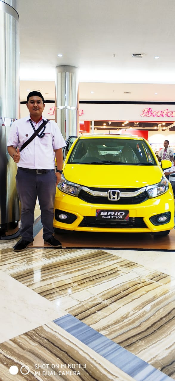 Sales Marketing Mobil Dealer Honda Irwan