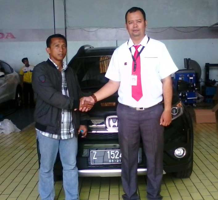 Sales Marketing Mobil Dealer Honda Tasikmalaya Agus