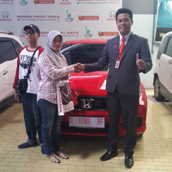 sales-marketing-mobil-dealer-honda-tegal-arfin