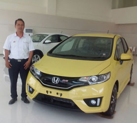 sales-marketing-mobil-dealer-honda-pandaan-dedy