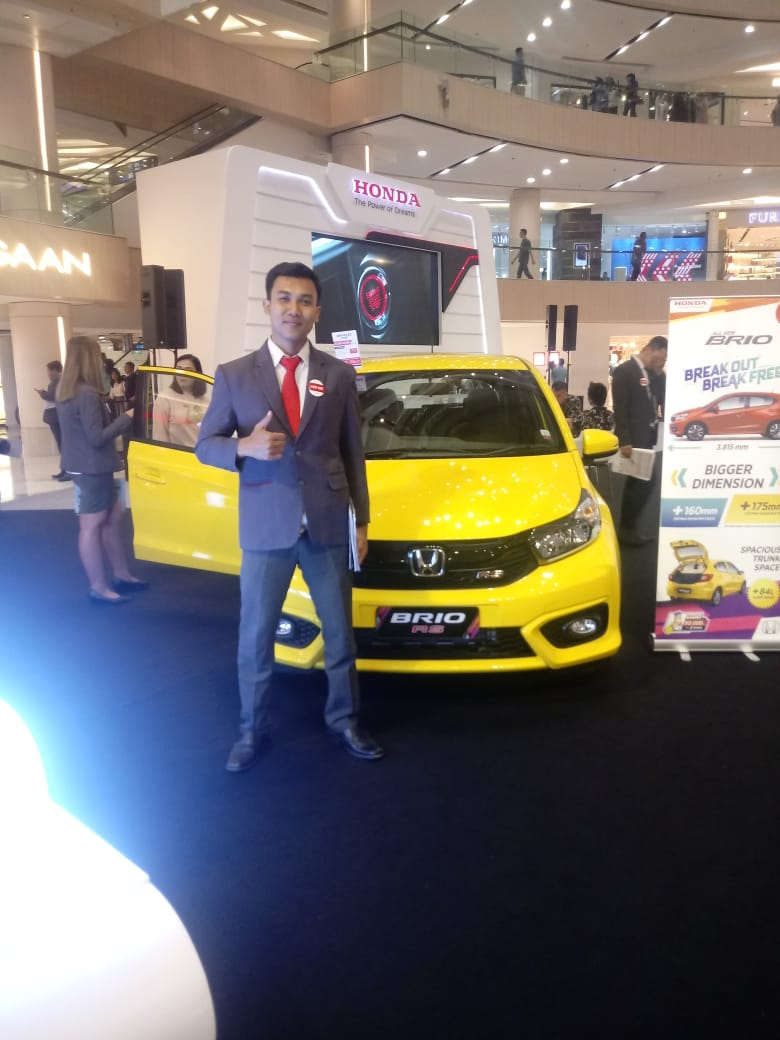 Sales Marketing Mobil Dealer Honda Hary