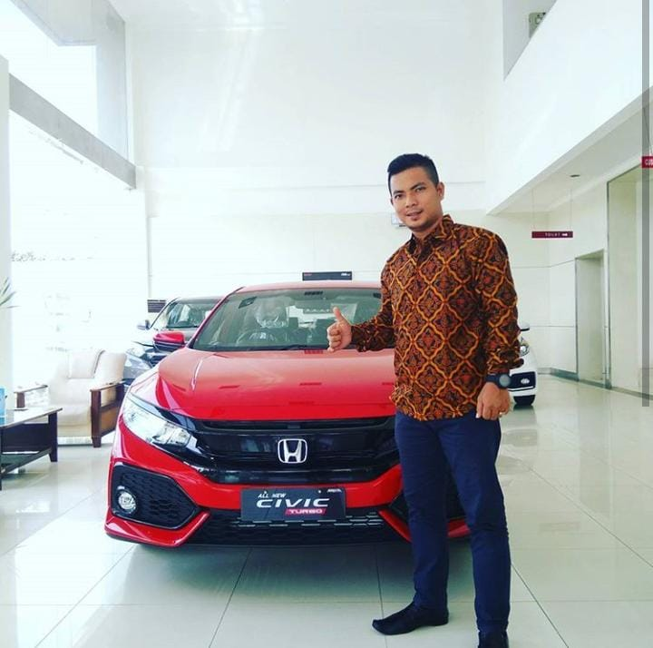 Sales Marketing Mobil Dealer Honda Rahmad