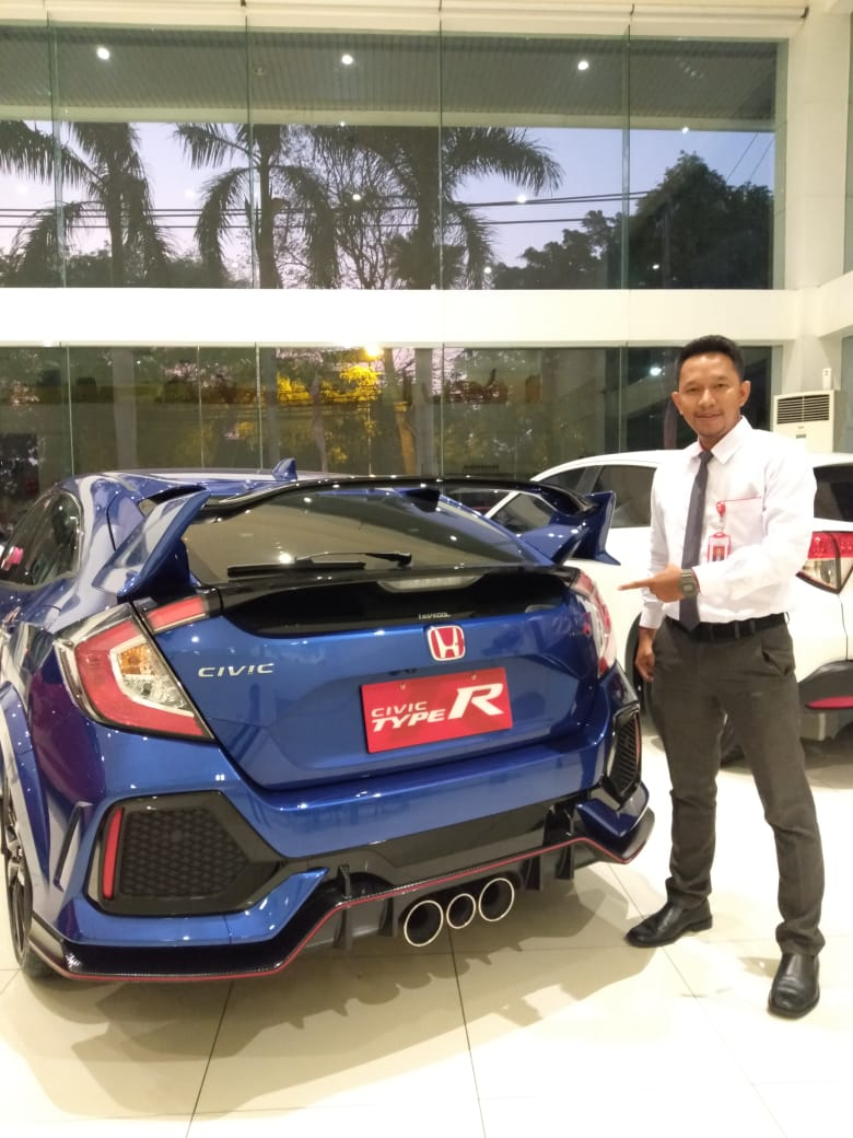 Sales Marketing Mobil Dealer Honda Fatih