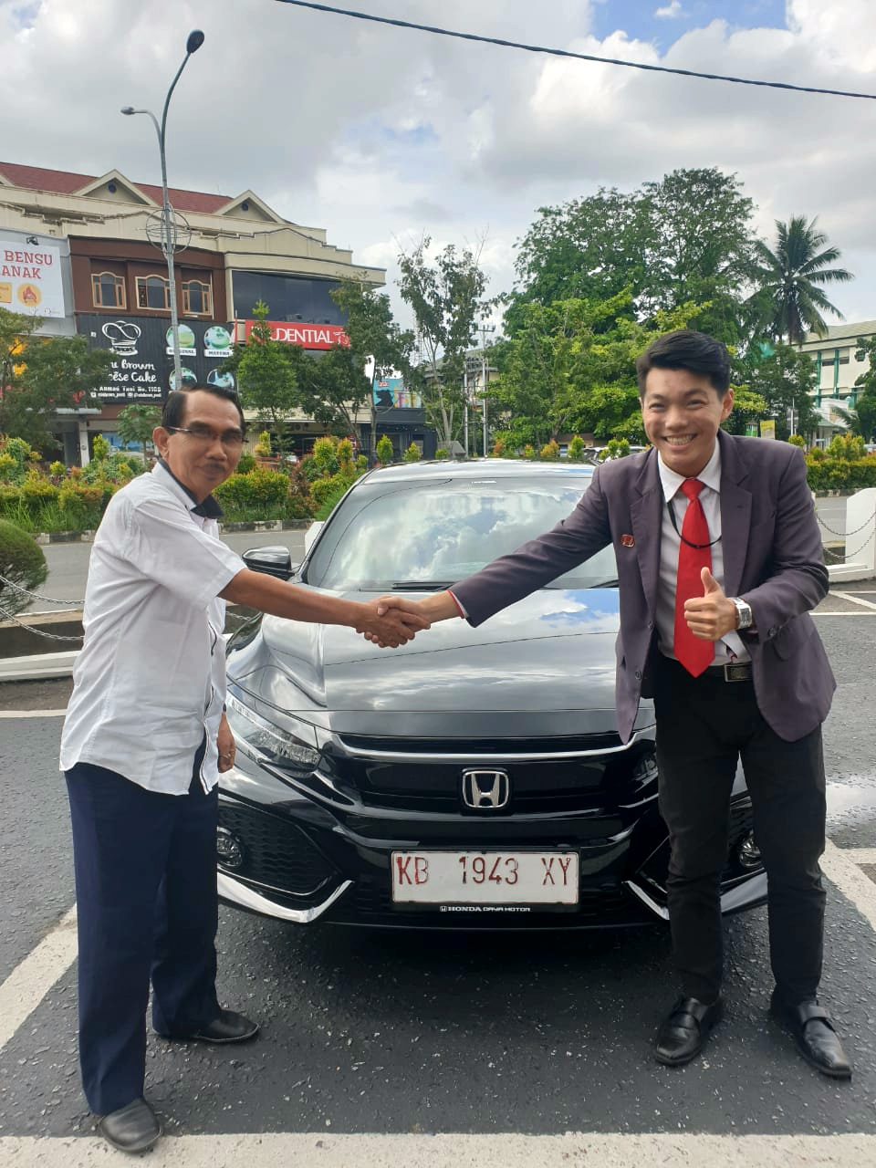 Sales Marketing Mobil Dealer Honda Vincen